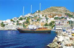 Hydra harbour
